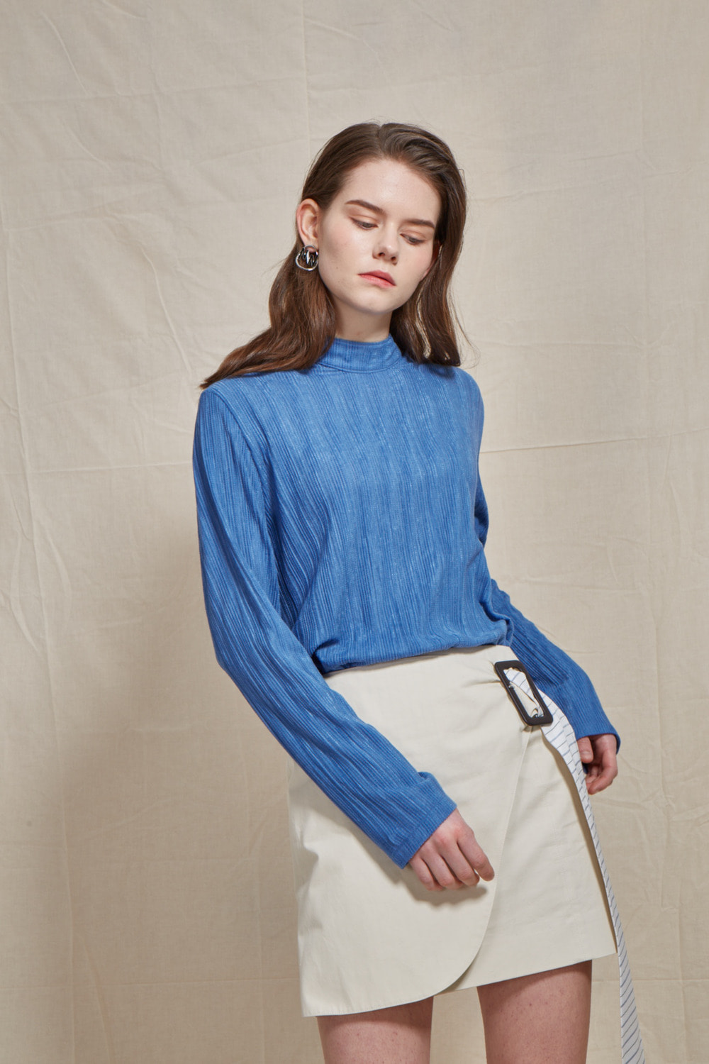 mockneck pleats top
